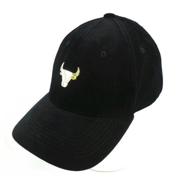 635446f1122ec7 Huge Wild Spirit Other - Chicago Bulls Black Velvet Strapback OSFM Cat Hat